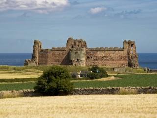 tantallon-castle-880329_1280